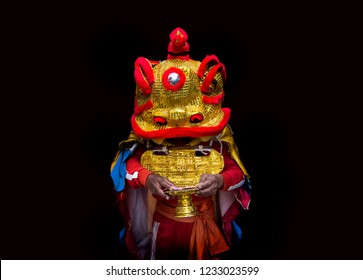 Chinese lion paper-mache mask in China new year festival ,lion mask is tradition and want to bake money reward  for performance show.