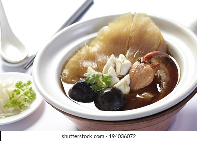 Chinese Royal sharks fin soup with crab and mushroom