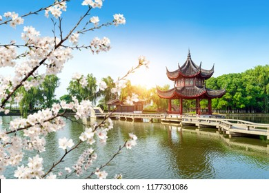 Chinese traditional architecture, the nine curved bridges commonly found in gardens.