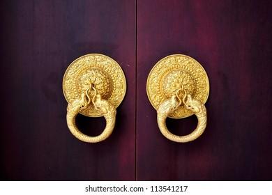 Chinese Traditional Crimson Wooden Door with Golden Knocker