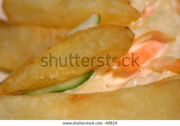 Chips / french fries with creamy coleslaw