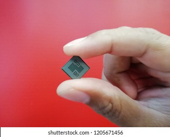 chipset in hand