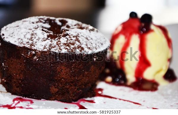chocolate brownie & vanilla ice cream