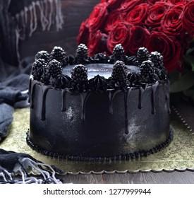 Chocolate cake with black glaze