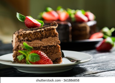 Chocolate cake with fresh strawberries