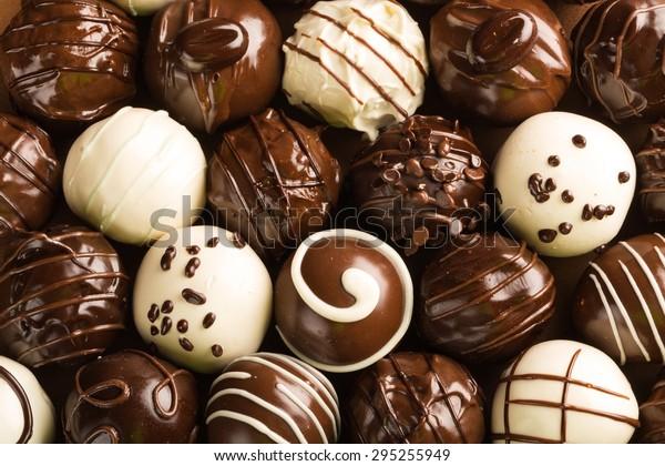チョコレート、チョコレート・キャンディ、トリュフ。