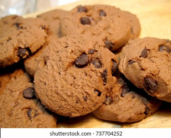 chocolate chip cookies for holiday meal