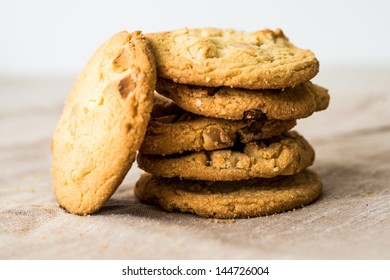 Chocolate chips cookies on brown napkin
