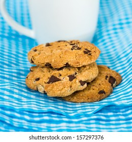 Chocolate chips cookies on napkin