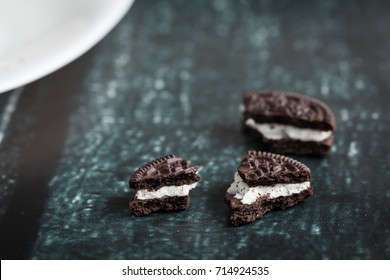 Chocolate cookies with cream filling