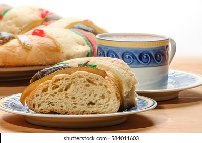 Chocolate cup with Epiphany cake, Kings cake, Rosca de reyes