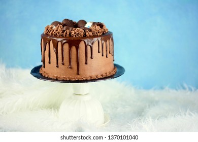 Chocolate dripping cake
