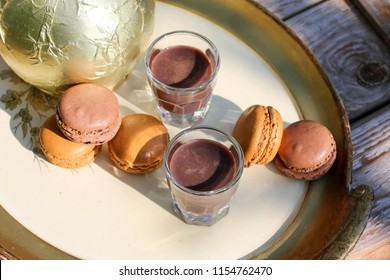 chocolate liqueur and macaroons