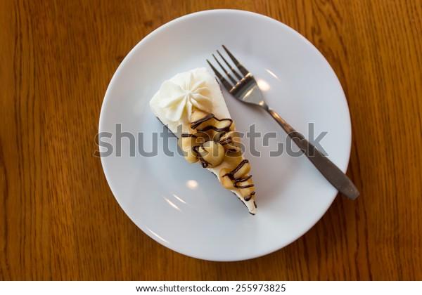 chocolate macadamia cake