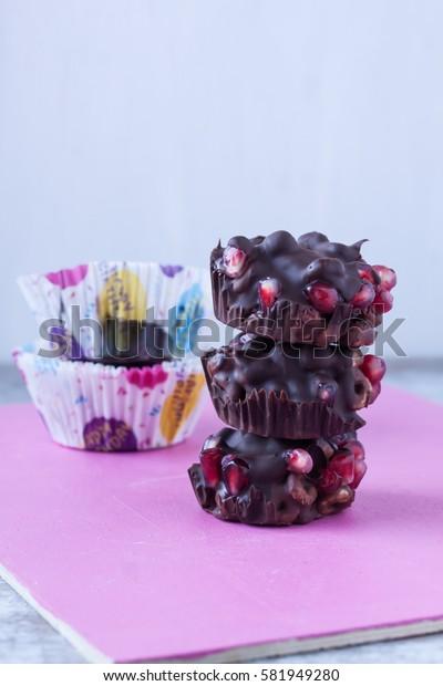 chocolate with pomengranate