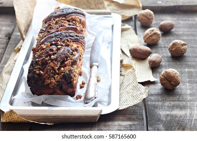 Chocolate yeast cake with nuts