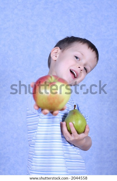 choice apple or pear - five years old boy