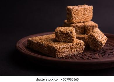Cholai ki chikki or Rajgira chikki or Amaranth chikki or cake or bar