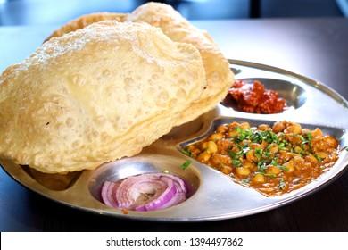 Chole Bhatura Chature Vegetable Dish Indian ROti Puff Thali