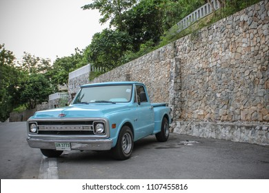 CHONBURI, THAILAND - FEBRUARY 8, 2015: The 1969 Chevrolet C10 Pickup 0Truck  parking at the seaside.