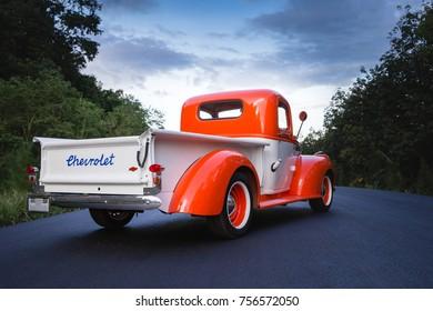 CHONBURI, THAILAND - NOVEMBER 09, 2017: The Chevrolet truck 1941 parking at the road.
