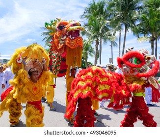 CHONBURI, THAILAND - SEPTEMBER 30, 2016 : The Chinese gods parade in Pattaya vegetarian festival on September 30,2016 in Chonburi, THAILAND