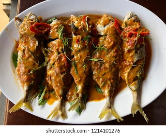 Choo Chee Pla Too or Mackerel in dried red curry is the Thai traditional food