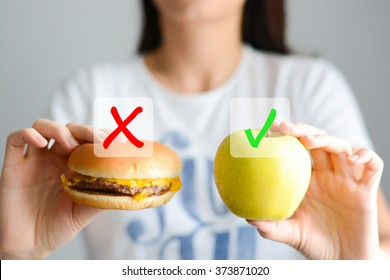 Choose a healthy eating lifestyle comparison between junk food and fruits