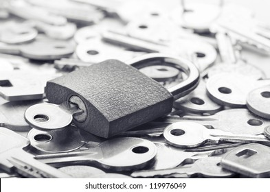 Choosing the right key for solving a problem