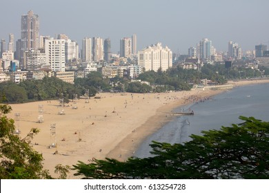 Chowpatty Beach from Kamala Nehru Park lookout on a clear autumn day