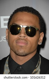 "Chris Brown at the ""Takers"" World Premiere, Arclight Cinerama Dome, Hollywood, CA. 08-04-10"