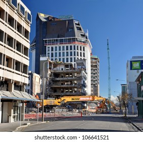 CHRISTCHURCH, NEW ZEALAND - MAY 27: The last days of the city's tallest building (Grand Chancellor Hotel) being demolished post earthquake on May 27, 2012 in Christchurch.