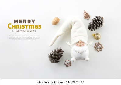 CHRISTMAS COMPOSITION, WHITE DWARF OBJECT, PINE CONE, CHRISTMAS DECORATION,  NUTS, NEW YEAR'S EVE, MINIMAL BACKGROUND