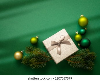 A Christmas decoration background green with gift box