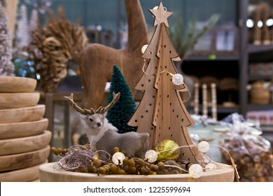Christmas decoration: deer and wooden tree
