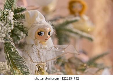Christmas decoration: Elf with large eyes