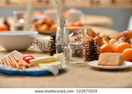 Christmas Decoration On Snack Table Stockfoto (Jetzt bearbeiten ...