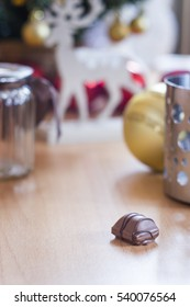 Christmas decoration with one praline