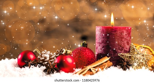 Christmas Dekoration with candels and snow