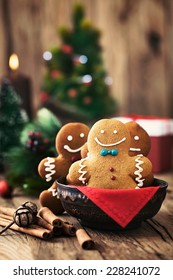 Christmas food. Gingerbread man cookies in Christmas setting. Xmas dessert