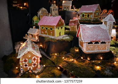 Christmas gingerbread house and objects, art decorations.