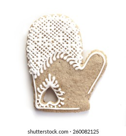 Christmas gingerbread: mitten, isolated