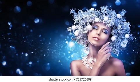 Christmas Girl Makeup. Winter Hairstyle and Make Up