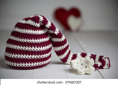 Christmas hat made by hand and for the photography of newborns /  Christmas hat baby