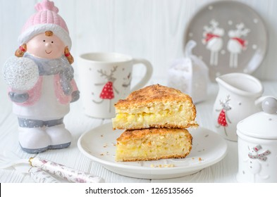 Christmas lemon pie without eggs on a plate