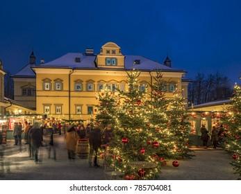 Schloss Hellbrunn Weihnachtsmarkt.Illuminated Christmas Angel Christmas Market Christkindlmarkt Stock