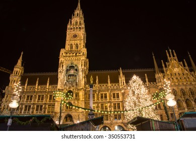 Christmas Market at Marienplatz in Munich with the town hall.