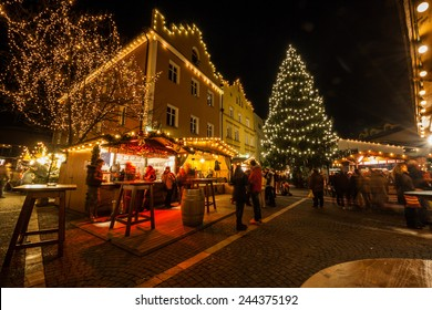 Christmas Market, Vipiteno, Sterzing, Bolzano, Trentino Alto Adige, Italy