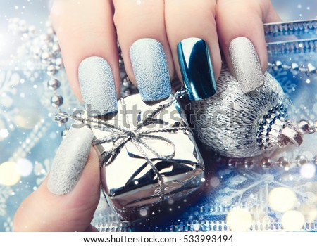 christmas nail art manicure idea winter holiday style bright manicure design christmas decorations