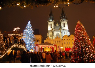 Christmas in Oldtown square (czech: Staromestske namesti) Prague, Czech Republic